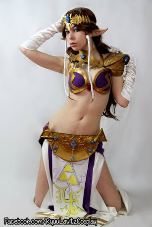 Princess Zelda Cosplay 2
