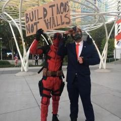 SVCC 2017 Cosplay - Deadpool & Bane