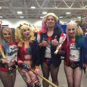 Wizard World Minneapolis 2017 - Harley Quinns 2