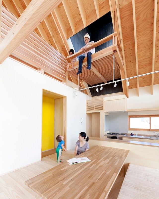 hidetoshi-sawa-tailored-design-lab-a-gabled-roof-in-kawagoe-japan-designboom-05