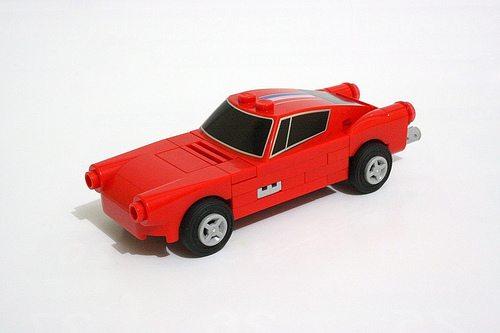 Excellent LEGO Miniature Ferrari 250 GT