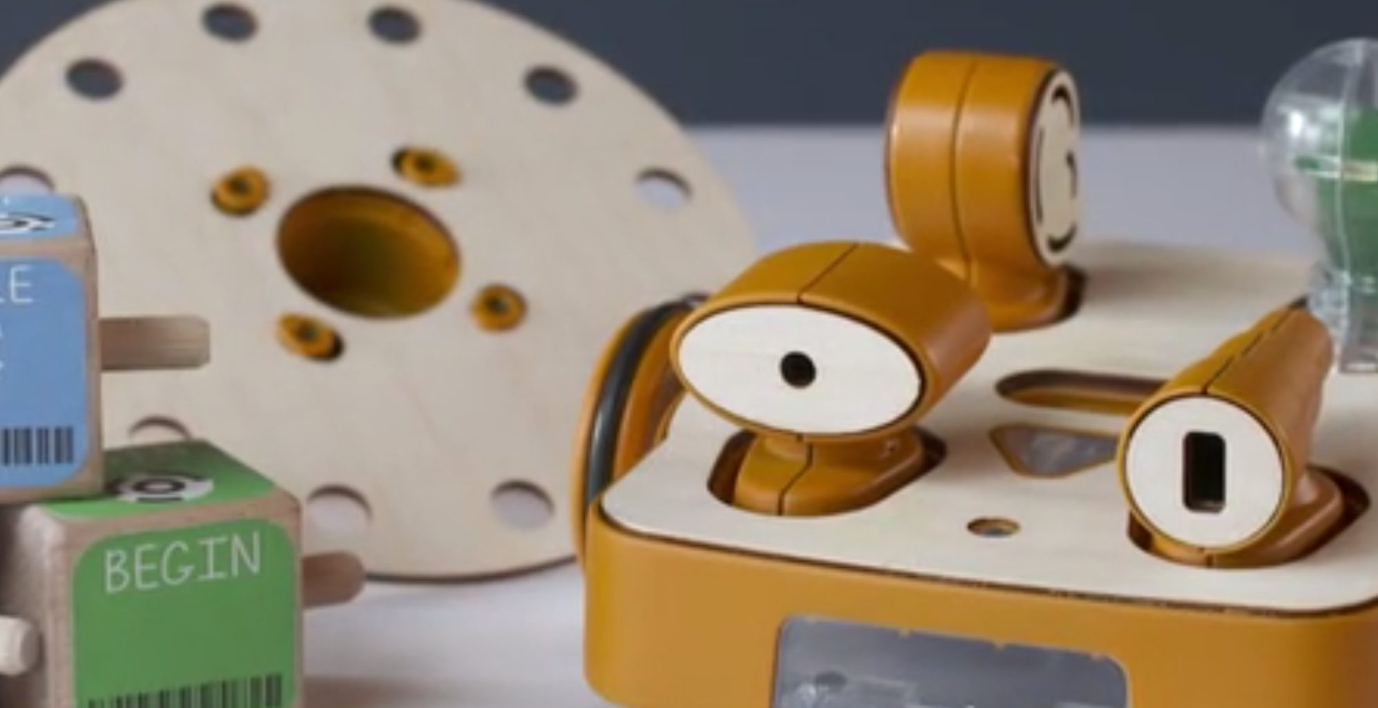 KIBO Kit: Image courtesy of KinderLab Robotics, Inc 2014