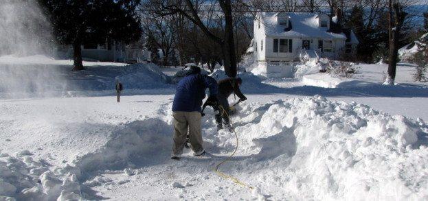 6 Ways to Survive Snow Shoveling Season