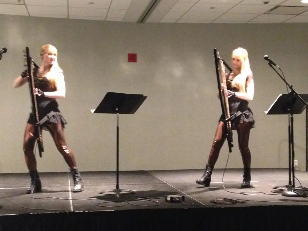 Both Harp Twins and Harps