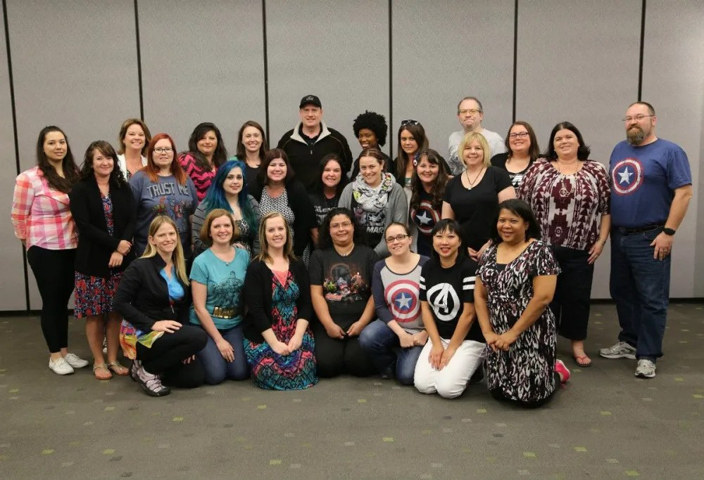 Group photo with the bloggers (as usual, I'm in the back on the right) - Photo: Disney