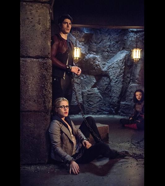 Yeah, totally a fake-out, Team Arrow. Image via CW.