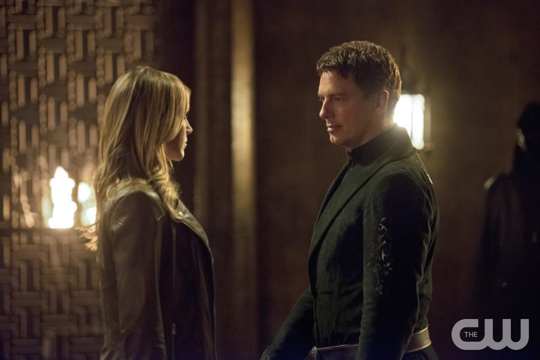 "Arrow -- ""Restoration"" -- Image AR403B_0160b.jpg -- Pictured (L-R): Katie Cassidy as Laurel Lance and John Barrowman as Malcolm Merlyn -- Photo: Diyah Pera /The CW -- �© 2015 The CW Network, LLC. All Rights Reserved."