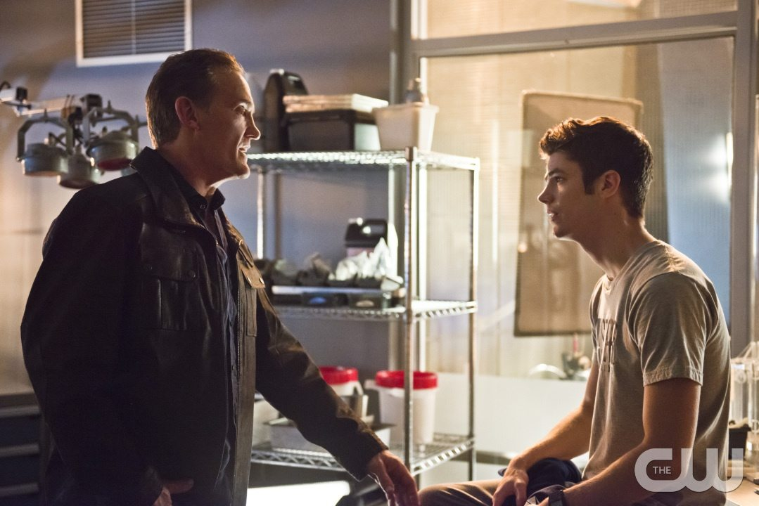 """The Flash -- """"Gorilla Warfare"""" -- Image FLA207B_0019b.jpg -- Pictured (L-R): John Wesley Shipp as Henry Allen and Grant Gustin as Barry Allen -- Photo: Cate Cameron/The CW -- �© 2015 The CW Network, LLC. All rights reserved."""