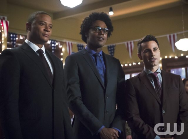 """Arrow -- """"Dark Waters"""" -- Image AR409B_0071b.jpg -- Pictured (L-R): David Ramsey as John Diggle, Echo Kellum as Curtis Holt and Chenier Hundal as Paul -- Photo: Diyah Pera/ The CW -- �© 2015 The CW Network, LLC. All Rights Reserved."""