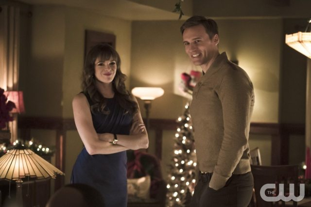 """The Flash -- """"Running to Stand Still"""" -- Image: FLA209b_0206b.jpg -- Pictured (L-R): Danielle Panabaker as Caitlin Snow and Teddy Sears as Jay Garrick -- Photo: Katie Yu/The CW -- �© 2015 The CW Network, LLC. All rights reserved."""