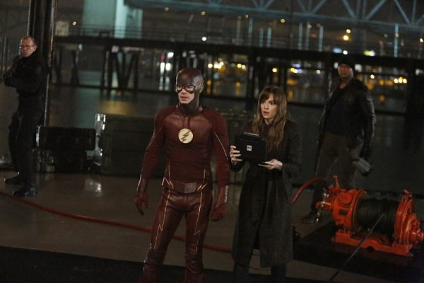"The Flash -- ""King Shark"" -- Image FLA215b_0120 -- Pictured (L-R): Grant Gustin as Barry Allen / The Flash, Danielle Panabaker as Caitlin Snow, and David Ramsey as John Diggle -- Photo: Bettina Strauss/The CW -- �© 2016 The CW Network, LLC. All rights reserved"