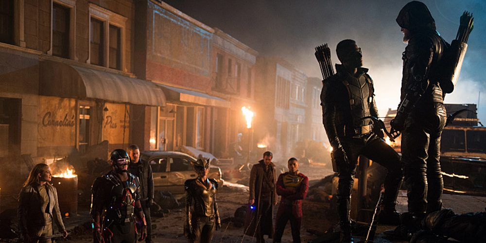 "DC's Legends of Tomorrow -- ""Star City 2046"" -- Image LGN106b_0421.jpg -- Pictured (L-R): Caity Lotz as Sara Lance / White Canary, Brandon Routh as Ray Palmer /Atom, Wentworth Miller as Leonard Snart/Captain Cold, Ciara Renee as Kendra Saunders / Hawkgirl, Arthur Darvill as Rip Hunter, Franz Drameh as Jefferson ""Jax"" Jackson, Joseph David-Jones as Connor Hawke / Green Arrow, and Steven Amell as Oliver Queen / Green Arrow -- Photo: Diyah Pera/The CW -- �© 2016 The CW Network, LLC. All Rights Reserved"