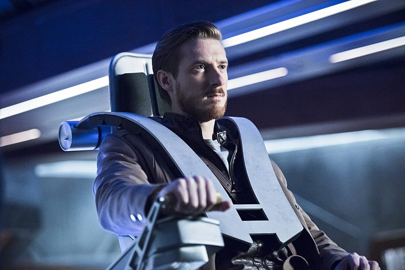 "DC's Legends of Tomorrow -- ""Star City 2046"" -- Image LGN106a_0016b.jpg -- Pictured: Arthur Darvill as Rip Hunter -- Photo: Dean Buscher/The CW -- �© 2016 The CW Network, LLC. All Rights Reserved"