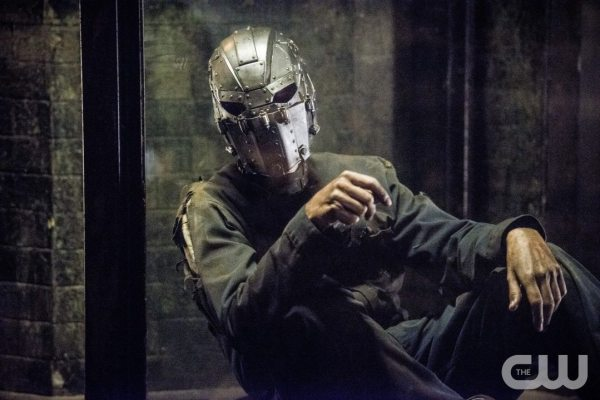 "The Flash -- ""Escape From Earth-2"" -- Image FLA214a_0171b -- Pictured: Man in the Iron Mask -- Photo: Diyah Pera/The CW -- �© 2016 The CW Network, LLC. All rights reserved."
