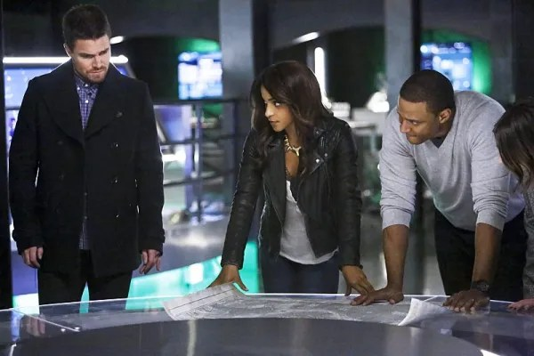 "Arrow -- ""Taken"" -- Image AR415b_0165b.jpg -- Pictured (L-R): Stephen Amell as Oliver Queen / The Green Arrow, Megalyn E.K. as Vixen, and David Ramsey as John Diggle, -- Photo: Bettina Strauss/ The CW -- �© 2016 The CW Network, LLC. All Rights Reserved."