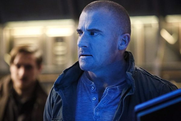 """DC's Legends of Tomorrow -- """"Marooned"""" -- Image LGN107B_0090b.jpg -- Pictured: Dominic Purcell as Mick Rory / Heat Wave -- Photo: Bettina Strauss/The CW -- �© 2016 The CW Network, LLC. All Rights Reserved."""