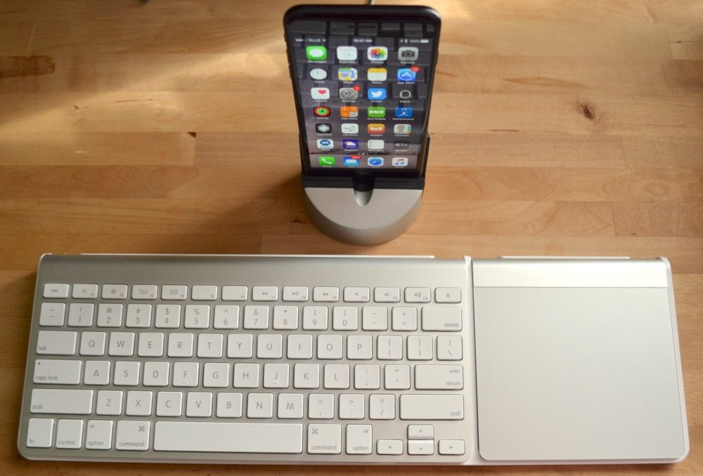 Henge Docks Gravitas + Clique = Optimized Mac Desk