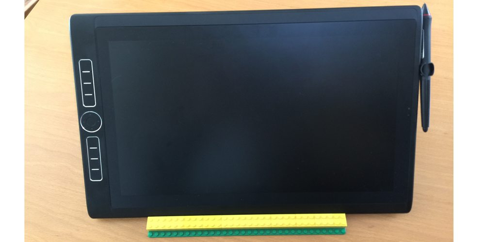 Make a LEGO DIY Tablet Stand