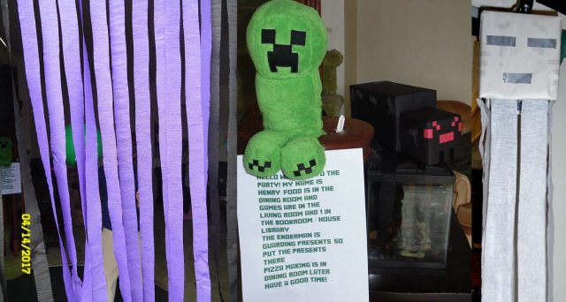 minecraft party decor