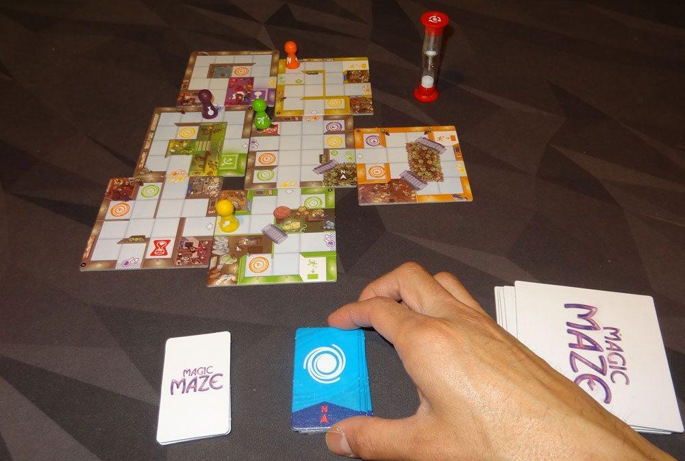 Magic Maze solitaire game