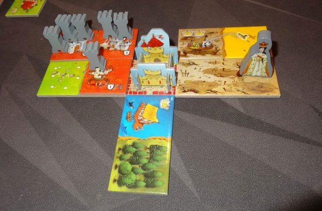 Queendomino towers and queen
