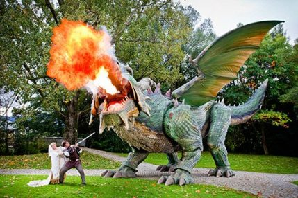 World's Largest Walking Robot is a Dragon