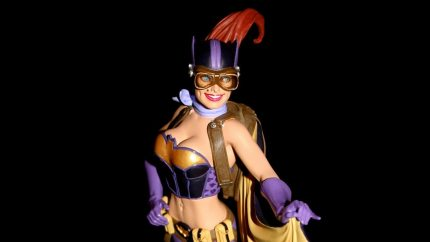 Batgirl Goes Bombshell in New DC Statue