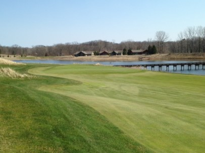 #14 - Approaching the green from the left hillside