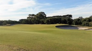Royal Melbourne West #7 (photo by Ran Morrissett from GolfClubAtlas)