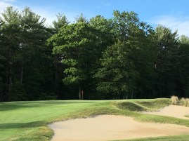 #11 - Par 3 - Bunkers right of the green
