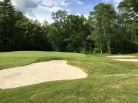 #12 - Par 4 - Bunkers and mounds right of the green