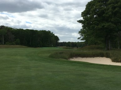 #4 - Par 4 - Approach from the right