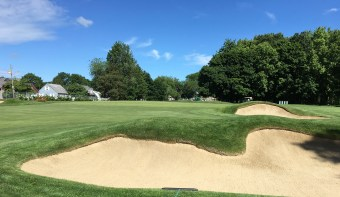#4 - Par 4 - Staggered bunkers short right of the green