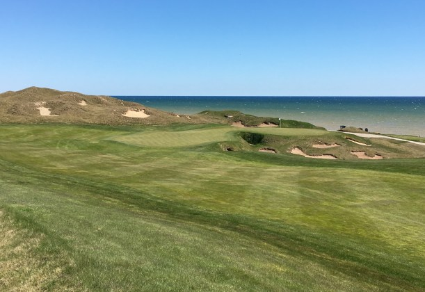 WhistlingStraits6-ApproachLeft.jpeg