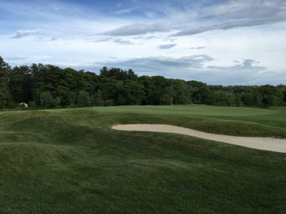 #9 - Par 4 - Mounds and bunker left of the green