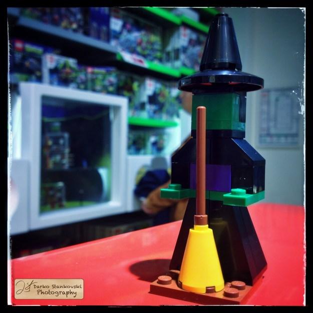 LEGO 40070 witch