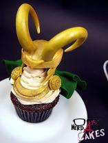 nerdache_cakes_loki