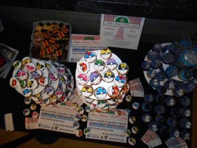 geek-girl-brunch-nycc-2015-fan-girls-night-out-2-anna-artusos-dessert-pokeball-pokemon-cupcake-3