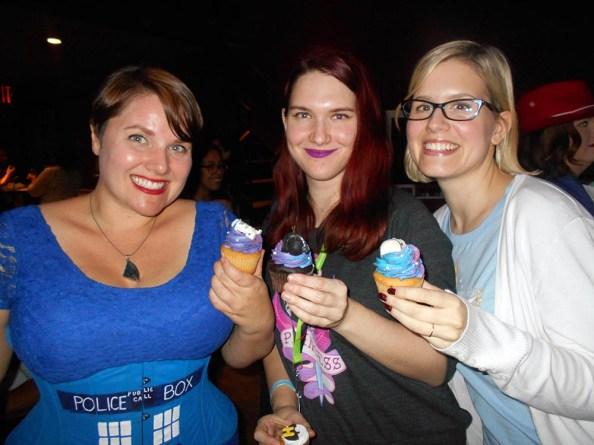 geek-girl-brunch-nycc-2015-fan-girls-night-out-2-anna-artusos-dessert-star-wars-cupcake