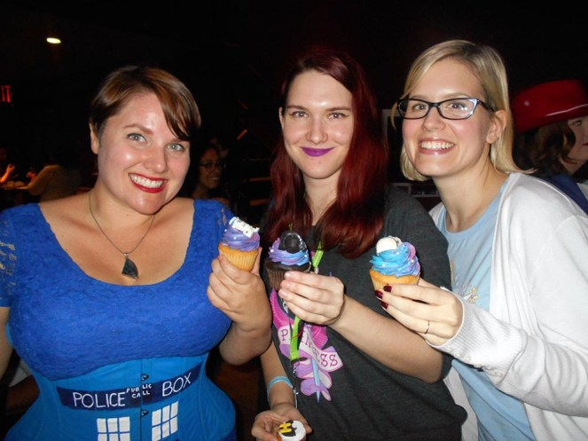 geek-girl-brunch-nycc-2015-fan-girls-night-out-2-anna-artusos-dessert-star-wars-cupcake