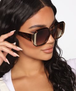 Oversized Square Tortoise Sunglasses