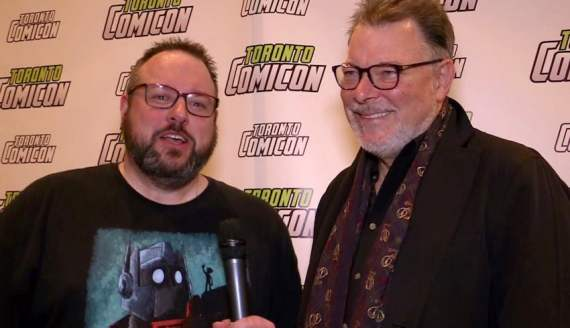 Discussing Beards and Scarves with Jonathan Frakes.