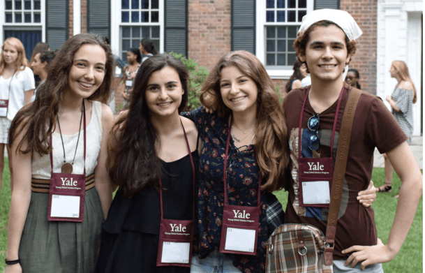 Estudantes do programa Yale Young Global Scholars