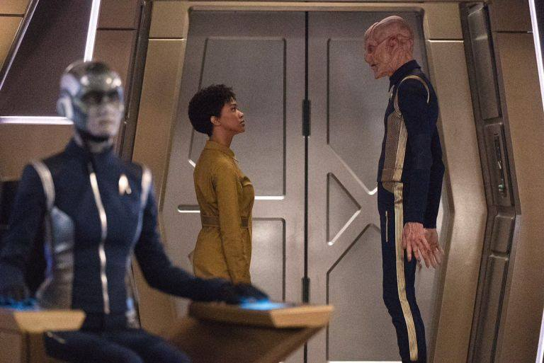 michael-burnham-and-saru-star-trek-discovery