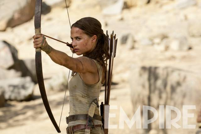 Lara Croft Alicia Vikander bow