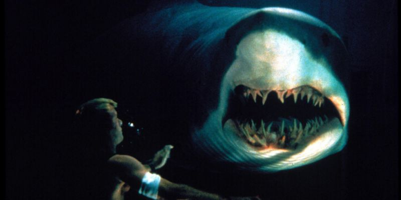 Deep Blue Sea guilty pleasure plot