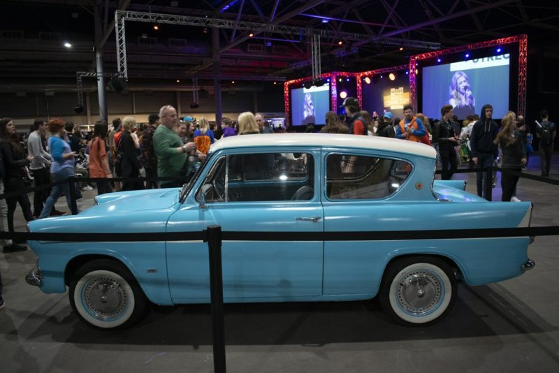 DCC Ford Anglia Harry Potter
