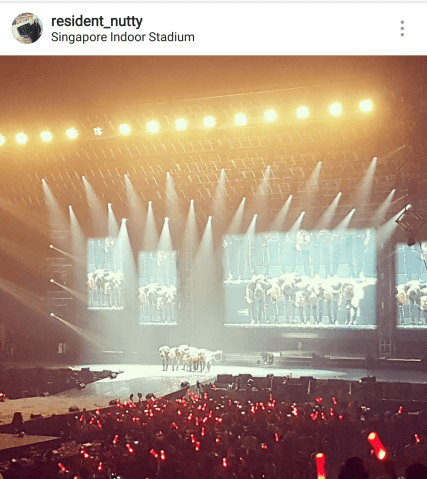 iKONCERT in SIngapore. Photo grabbed from @residentnutty. #pawprintingplaces
