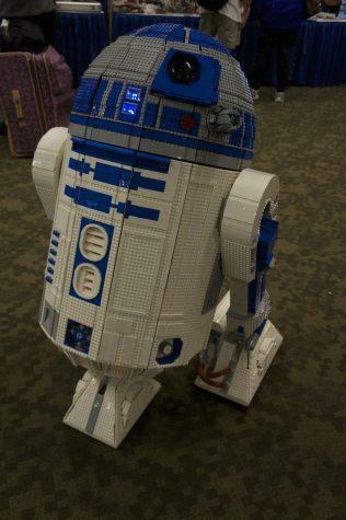 LEGO R2