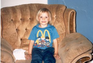 Me around 1990. Who knew this cute kid would later have severe body image issues?  Image: Dakster Sullivan